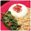 Du brède chouchou, haricots blancs et son riz blanc